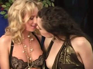 सबसे ओरल सेक्स सब, मुख्यालय योनि सेक्स, कोकेशियान