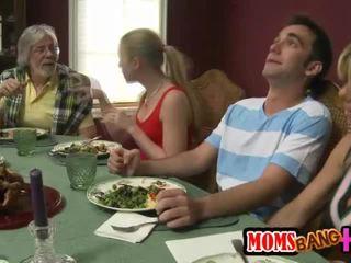 Сім'я dinner сім'я секс з kristal summers