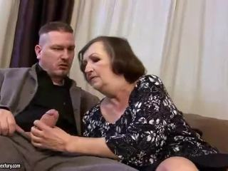 Потворна товста бабуся gets трахкав жорсткий
