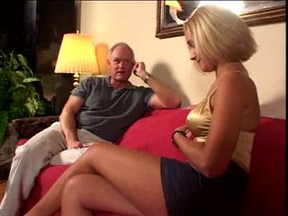 Vieux guy loves à foutre dedans son chatte vidéo