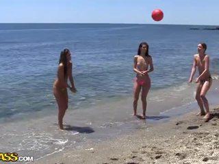 Колеж секс парти под на слънце heat на на плаж