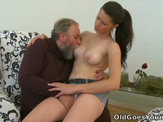 Simona ある flattered この この 老人 人 likes へ 過ごす いくつかの 変態の 時間 とともに この chabr