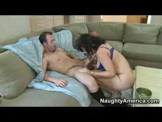 Hawt Momma VAnnah Sterling Stuffs Her Throat With A Thick Shaft And Enjoys It