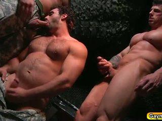 Bunker analno jebemti gej trojček
