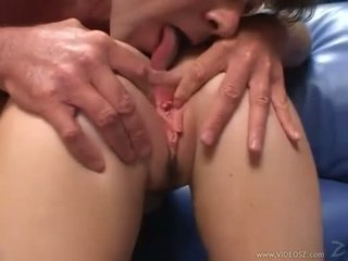Elizabeth lawrence gets ji ozko malo rit zajebal medtem being fingered