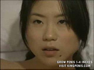 Japoniškas lesbietiškas autobusas seksas part2