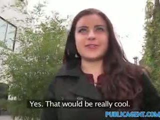 Publicagent צרפתי חתיכה מזוין על ידי fake מוסיקה וידאו מנהל