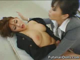 Futanari tastes egen cum!