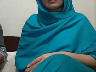 Sexy indiano aunty con lover possing suo poppe & p