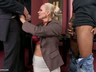 Winnie - An Intra-Office Affair - Porn Video 931