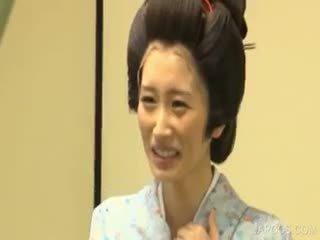 日本, 大胸部, 制服