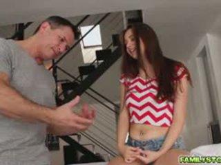 Elektra massasje henne trinn pappa