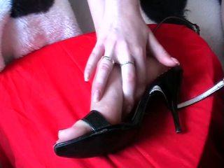 Seks kaki air mani kasut video