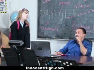 Innocenthigh- 可愛 紅發 fucks 她的 老師