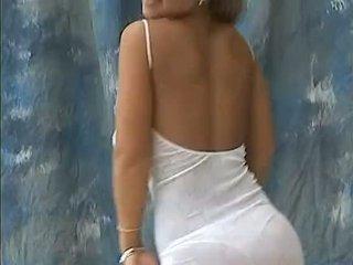 Christina modelo malaki bouncing tinedyer suso