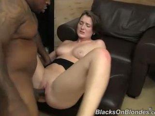 Eden tineri got creampie de la o negru guy