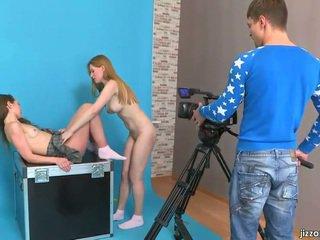 Lora و jazzy غوى cameraman