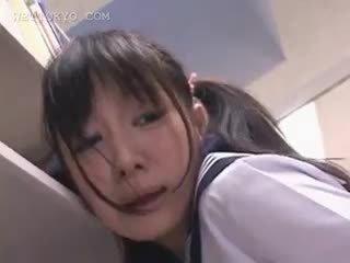 الآسيوية تلميذة كس teased في ال مكتبة في camera