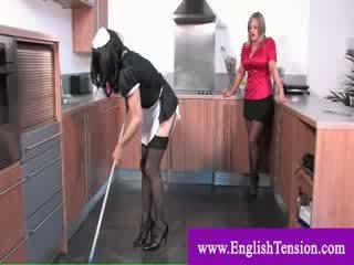 Телевизия прислужница worships dominas нозе