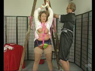 Krūtinga milf getting tied į viršų - julia reaves
