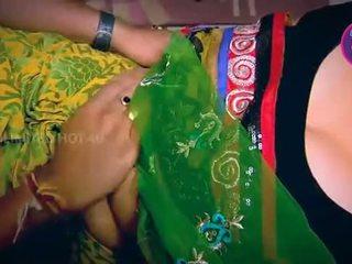 Indický hospodyňka tempted chlapec neighbour strýc v kuchyně - youtube.mp4
