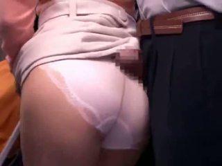 Mladý matka reluctant verejnosť autobus orgazmus