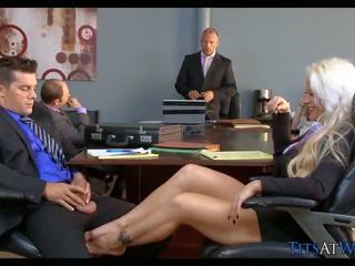 Pirang slut in the meeting room, free dhuwur definisi porno 68