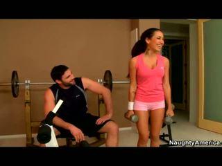 Amia miley banged dalam yang gym