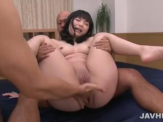 Hina maeda en japonais plan a trois
