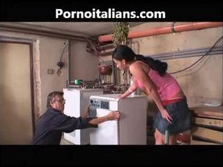 Italiensk porno videoer - idraulico scopa casalinga troia italiensk italiensk italiensk