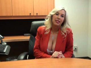 Karštas mažutė pakliuvom į darbas interviu video