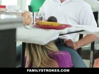 Familia strokes- step-mom teases y fucks step-son