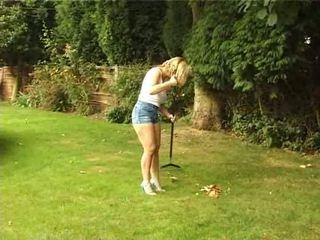 Britisch ehefrau gives ein blowjob im die garten video