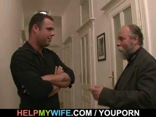 Desperate mann pays en hingst til faen hans kone