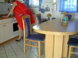 Oma und opa di der kueche