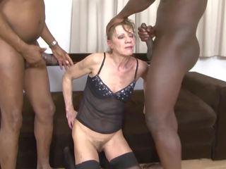 Medrasno porno babi dped s two črno men analno in