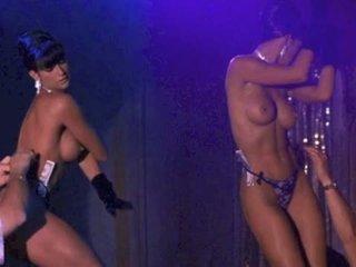 Demi Moore NUDE!
