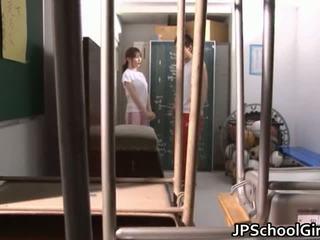 뜨거운 일본의 여학생 섹스 영화