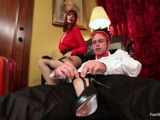 Viesnīca guest maitresse madeline dominates the bellboy uz pēda fetišs vid