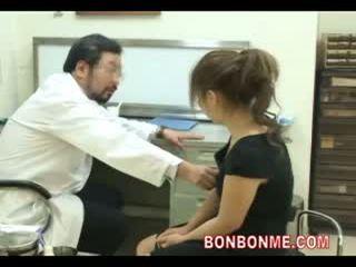Έγκυος έφηβος/η είναι πατήσαμε με γιατρός να κάνω abortion 03