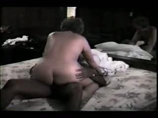 Äldre hustru och henne svart lover video-