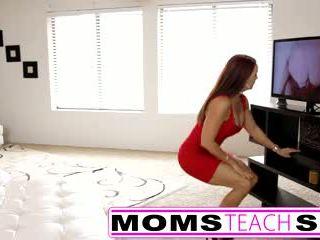Korak mama fucks sin v vroče trojček seks tape