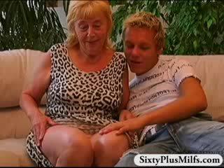 Kvinne gutt knulling gammel prostituert