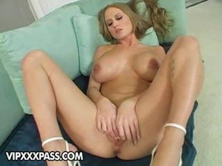Lusty barmfager abby rode