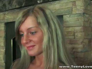 Teeny lovers: ruse blondie kalërim i vështirë