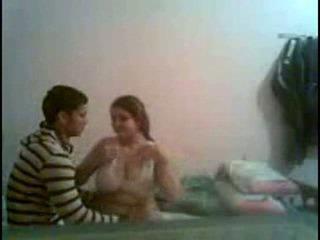 Desi גדול תחת ו - גדול breast נערה