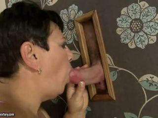 Gemuk nenek gets fucked oleh muda lelaki