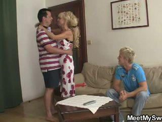 Izpolnjujejo my sladko: sin watches kot njegov gf licked in zajebal s parents