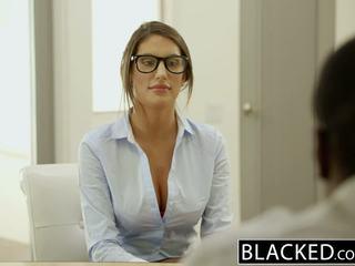 Blacked august ames gets an międzyrasowe wytrysk