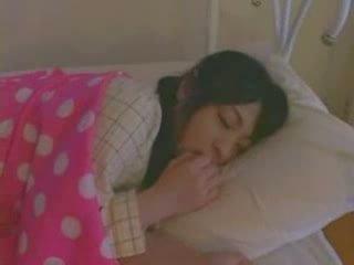 Soving jente knullet hardt video